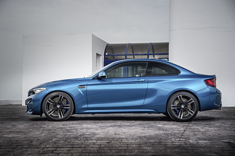 BMW M2, Fahrdynamik sichtbar gemacht: muskulös-dynamische Linienführung