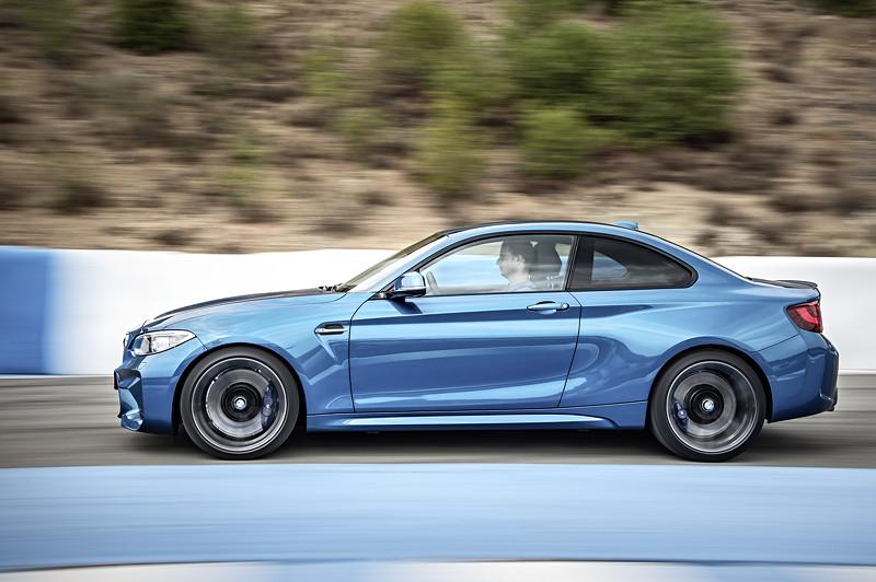 BMW M2, Sprint von 0 auf 100 km/h: 4,3 s (mit Sechsgang-Handschaltgetriebe 4,5 s)