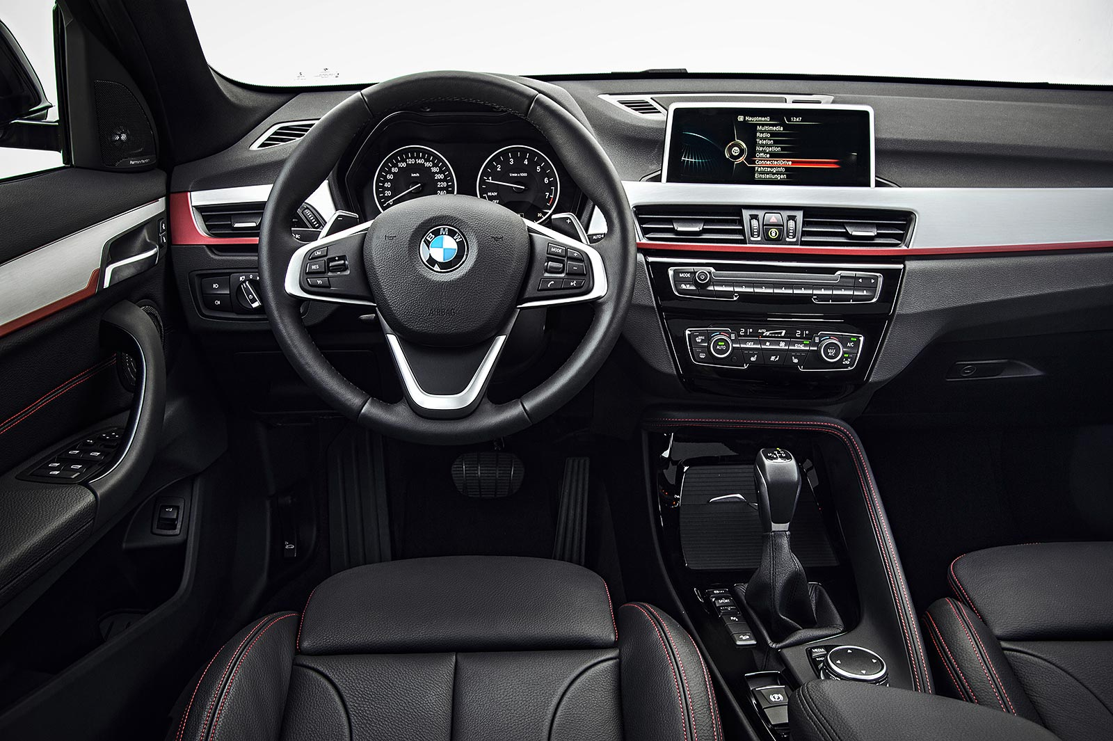 foto bmw x1 xdrive 25i modell sportline interieur interieurleiste aluminium l ngsschliff. Black Bedroom Furniture Sets. Home Design Ideas