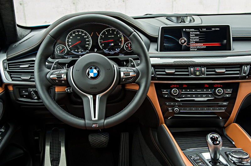 foto bmw x6 m cockpit vergr ert. Black Bedroom Furniture Sets. Home Design Ideas
