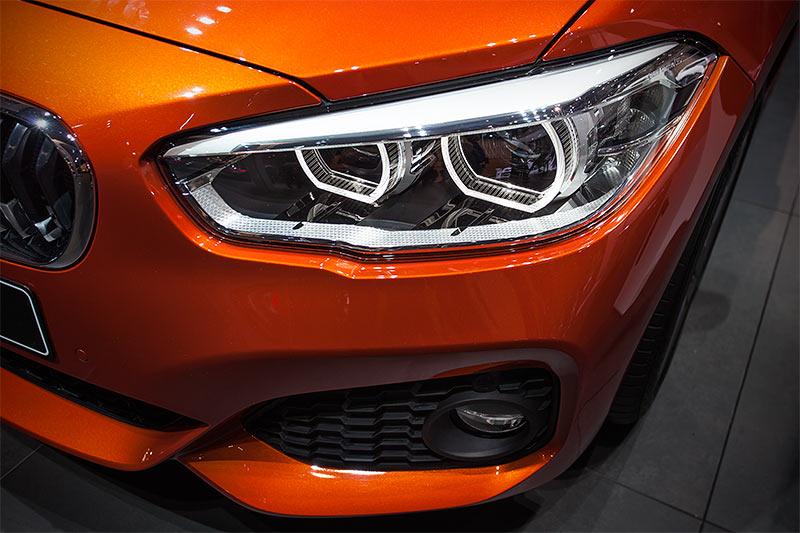 BMW 120d xDrive mit BMW M Paket (Modell F21, Facelift 2015), Scheinwerfer