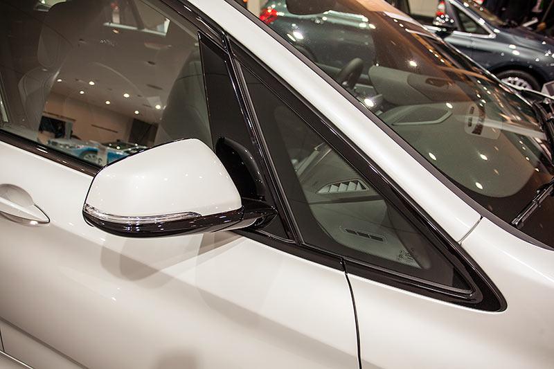 BMW 220d xDrive Gran Tourer mit Van-typischen vorderen Fensterdreieck