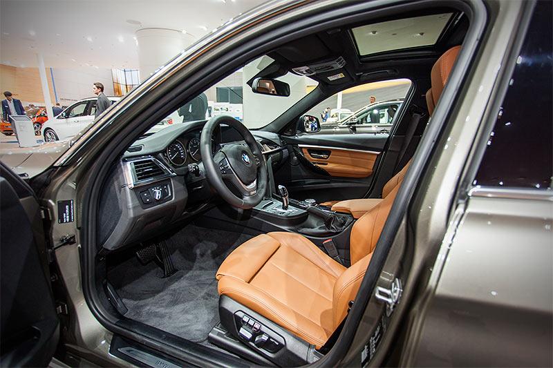BMW 320d Touring, Interieur vorne