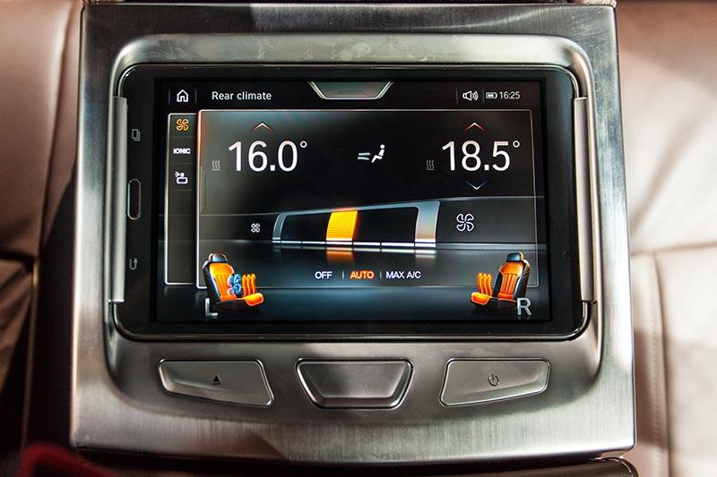 BMW 730d xDrive mit M Sportpaket, Touch-Command im Fond, ein herausnehmbarer Tablet Computer