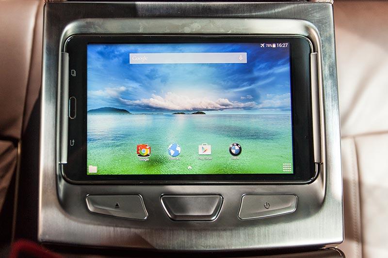 BMW 730d xDrive mit M Sportpaket, Touch-Command kann auch als 'normales' Tablet genutzt werden
