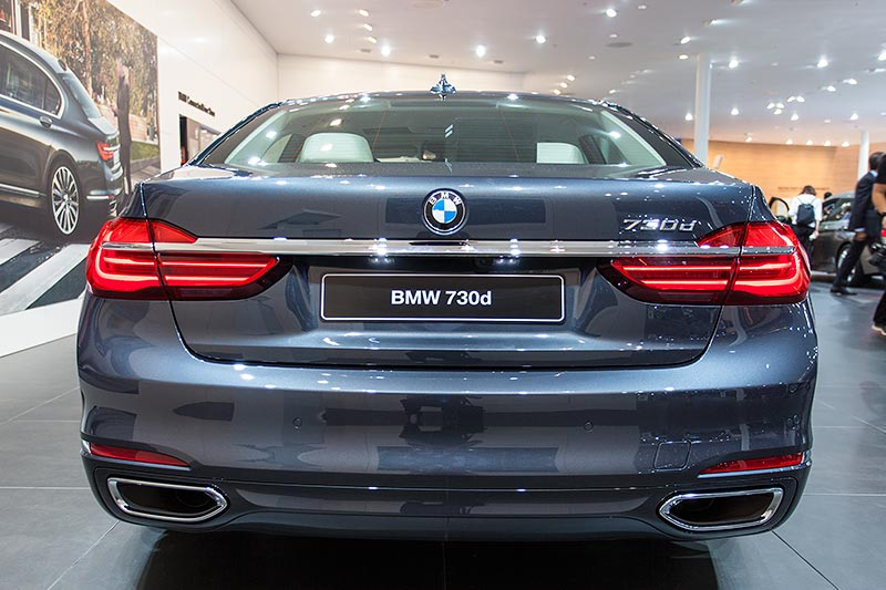 BMW 730d in der ConnectedDrive Abteilung auf dem BMW Messe Stand, IAA 2015