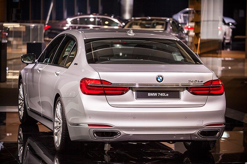 BMW 740Le mit PlugIn-Hybrid, BMW Messestand, IAA 2015
