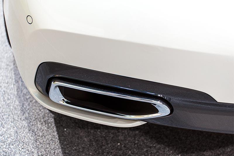 BMW 730d xDrive mit M Sportpaket, Auspuffblende