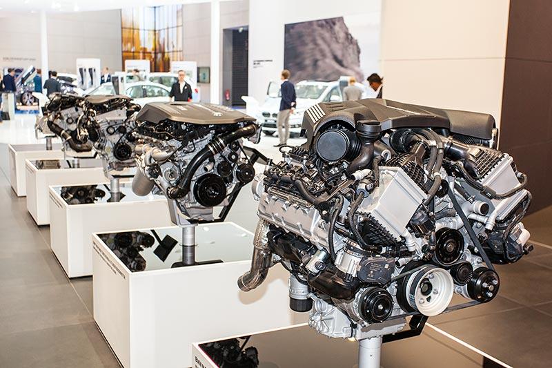 BMW Motorenausstellung auf der IAA 2015