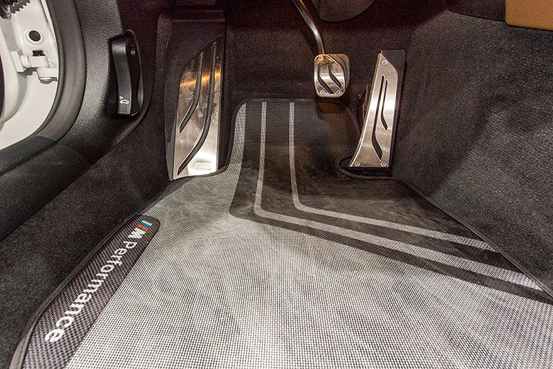 BMW M3, Pedalerie