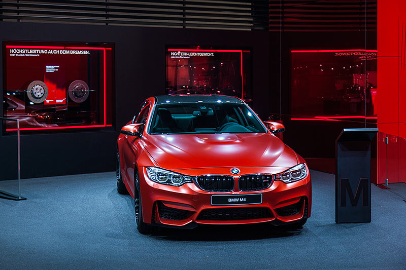 BMW M4 in Individual Frozen Red Metallic (Mehrpreis Lack: 3.300 Euro)