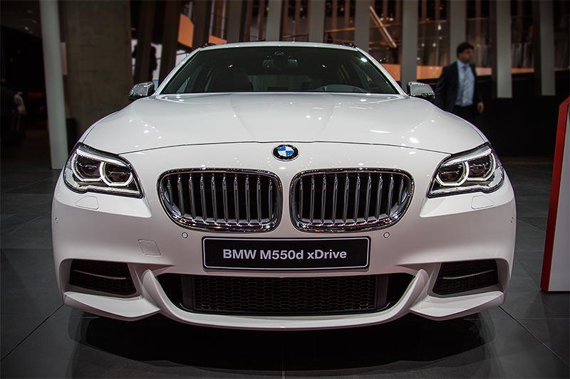 BMW M550d xDrive Touringm mit Tri-Turbo Dieselmotor