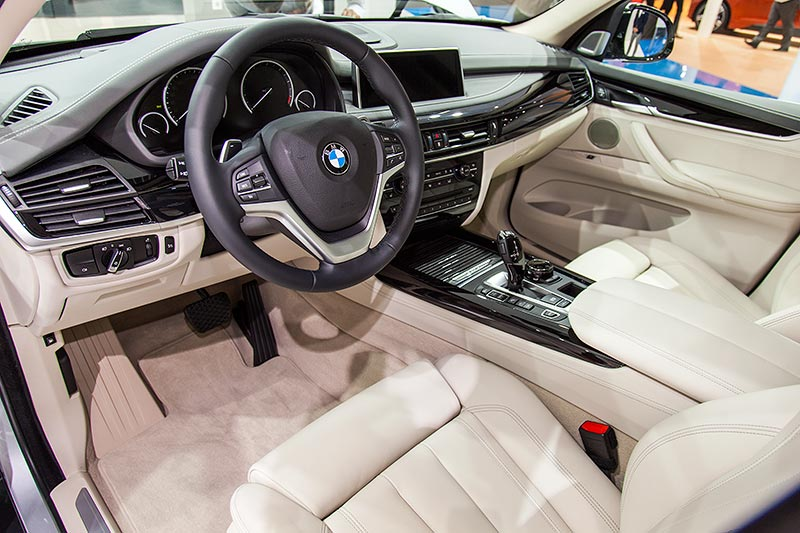 BMW X5 xDrive40e, Interieur vorne