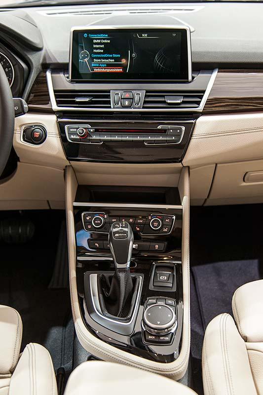 BMW 225xe Active Tourer, Mittelkonsole