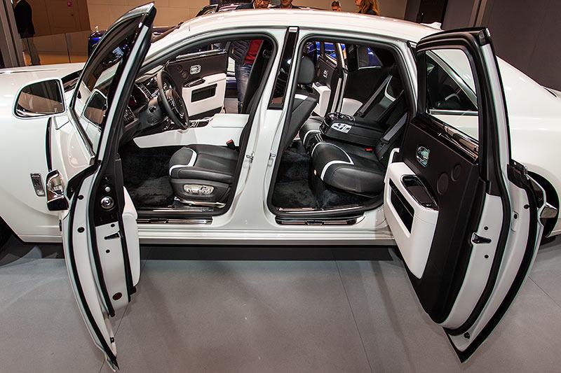 Rolls-Royce Ghost mit gegenläufigen Türen