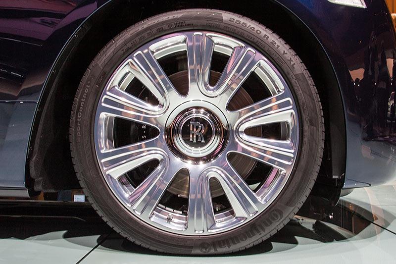 Rolls-Royce Dawn auf 21 Zoll Rädern