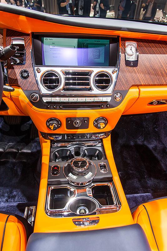 Rolls-Royce Dawn, Mittelkonsole