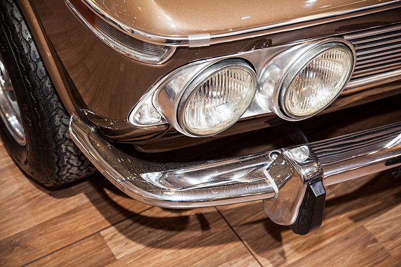 BMW 2002 TI 'Diana', verchromte Doppelscheinwerfer