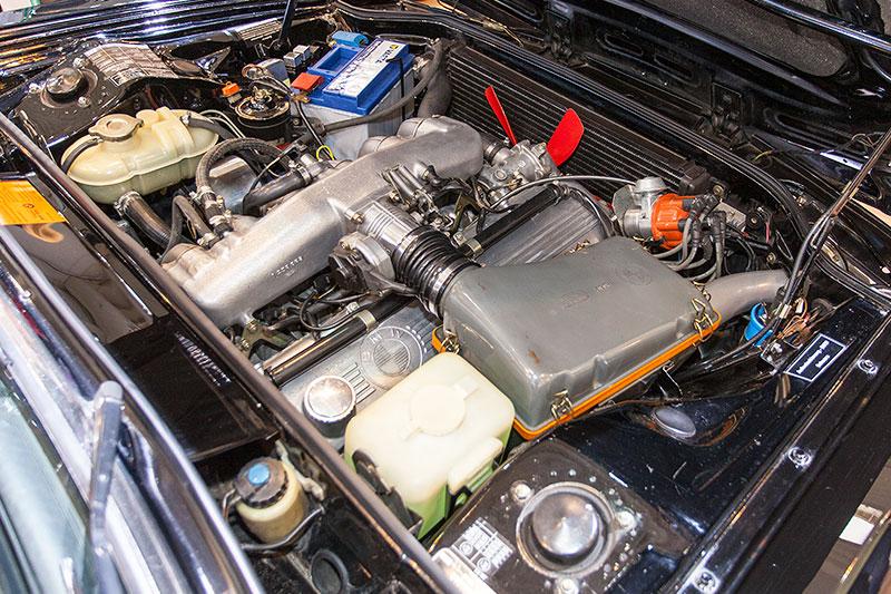 BMW 3.0 Si, 6-Zylinder-Motor, Höchstgeschwindigkeit: 211 km/h