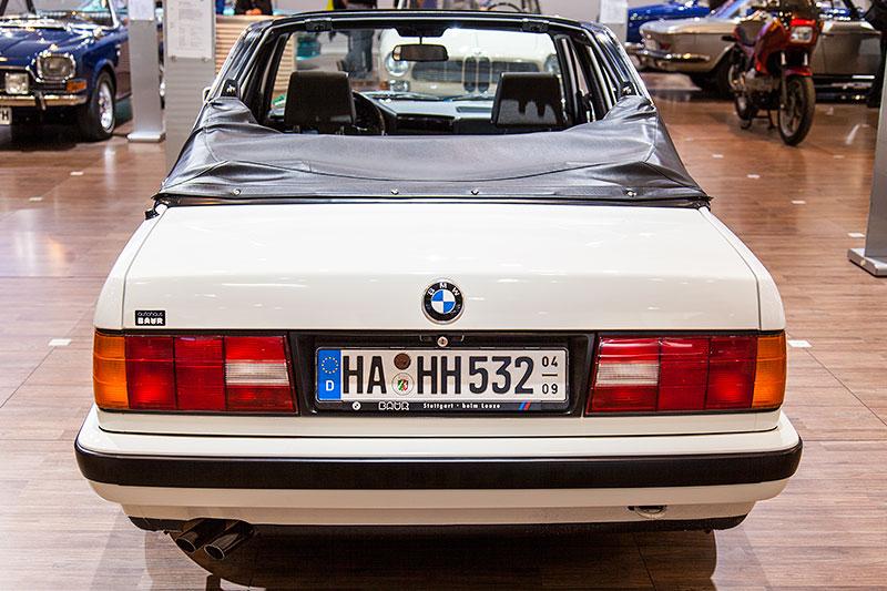 BMW 320i Baur Topcabriolet, 6-Zylinder-Reihenmotor, 129 PS