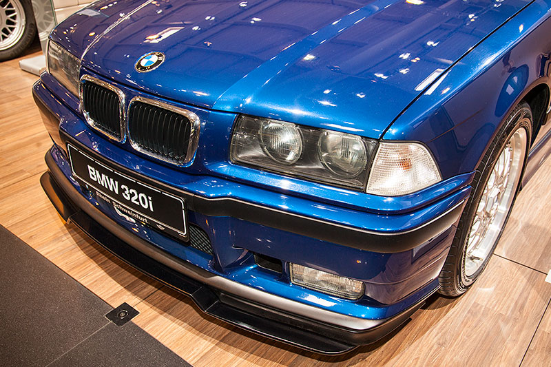 BMW 320i Clubsport mit Frontspoiler