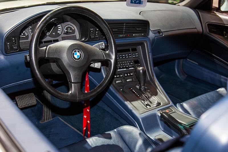 BMW 850i, Cockpit