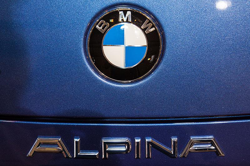 BMW Alpina Z8, BMW Logo und Alpina Schriftzug auf dem Heck