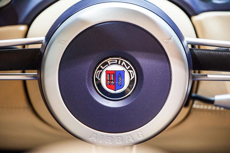 BMW Alpina Z8, Lenkrad mit Alpina Logo