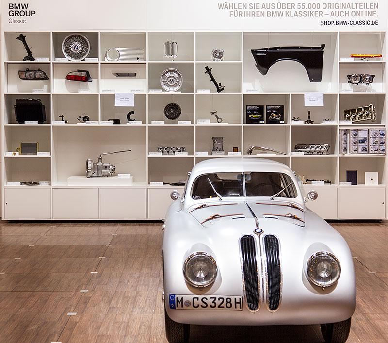 BMW Classic Ersatzteil Ausstellung auf der Techno Classica