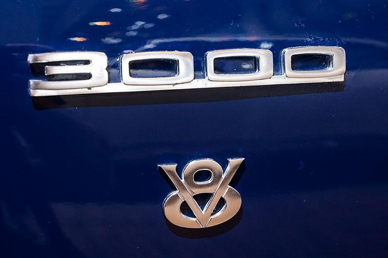 Glas 3000 V8, Typbezeichnung seitlich