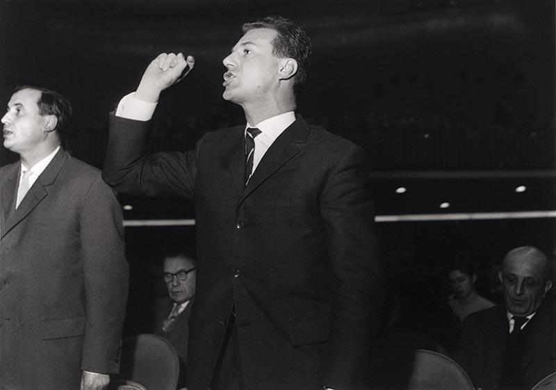 Die Geschichte der BMW Group: 100 Jahre Faszination für Mobilität. Aktionär auf der Hauptversammlung 1959