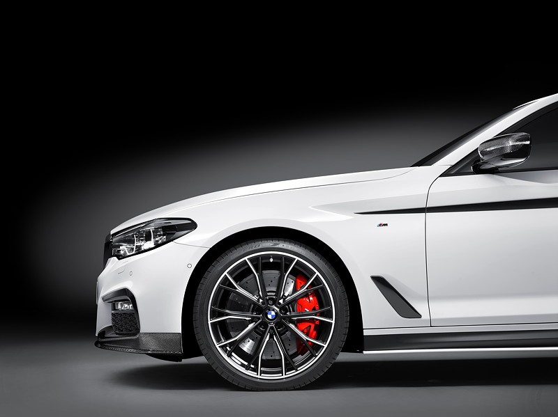 BMW 540i xDrive (G30) mit BMW M Performance Parts