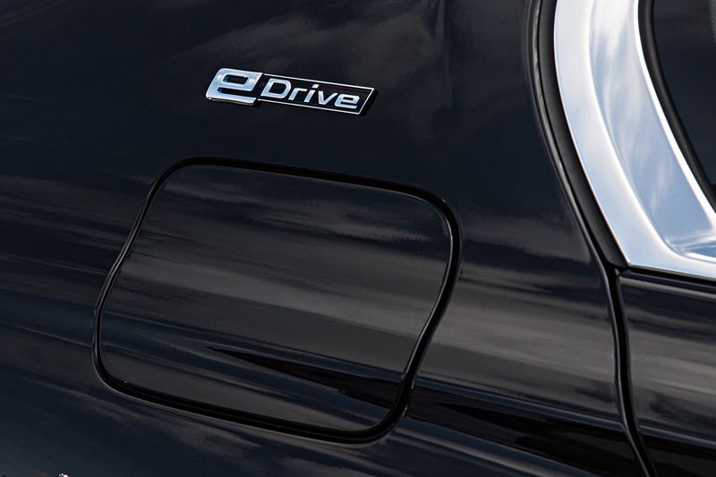 BMW 740Le xDrive iPerformance, eDrive Schriftzug auf der C-Säule