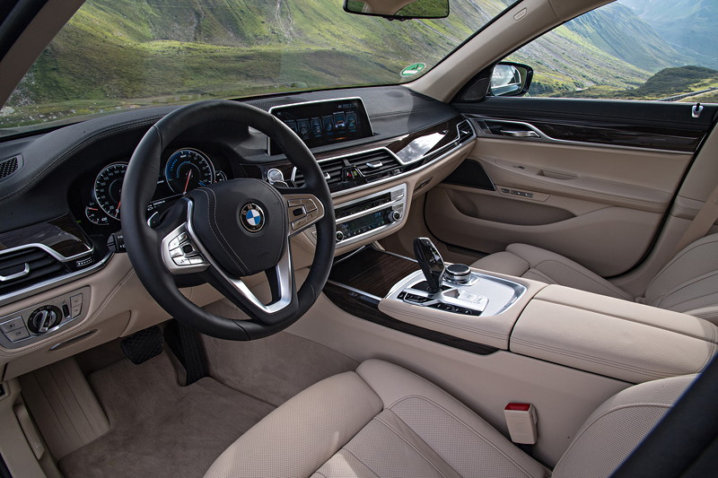 BMW 740Le xDrive iPerformance, Cockpit