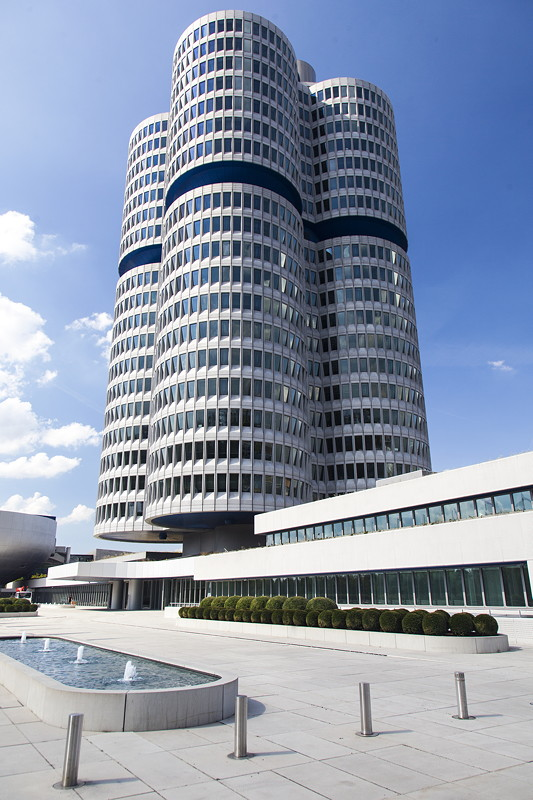 BMW Konzernzentrale '4 Zylinder' in München
