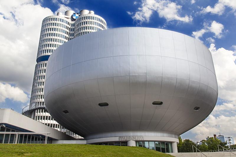 BMW Museum mit der Ausstellung '100 Meisterstücke'