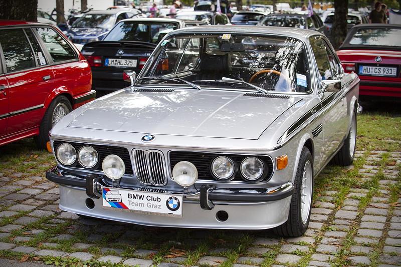 BMW Clubs in der Parkhafe im Olympiapark: BMW 3.0 CS (E9)