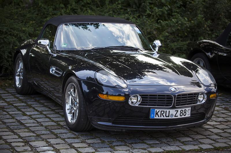 BMW Clubs in der Parkhafe im Olympiapark: BMW Z8