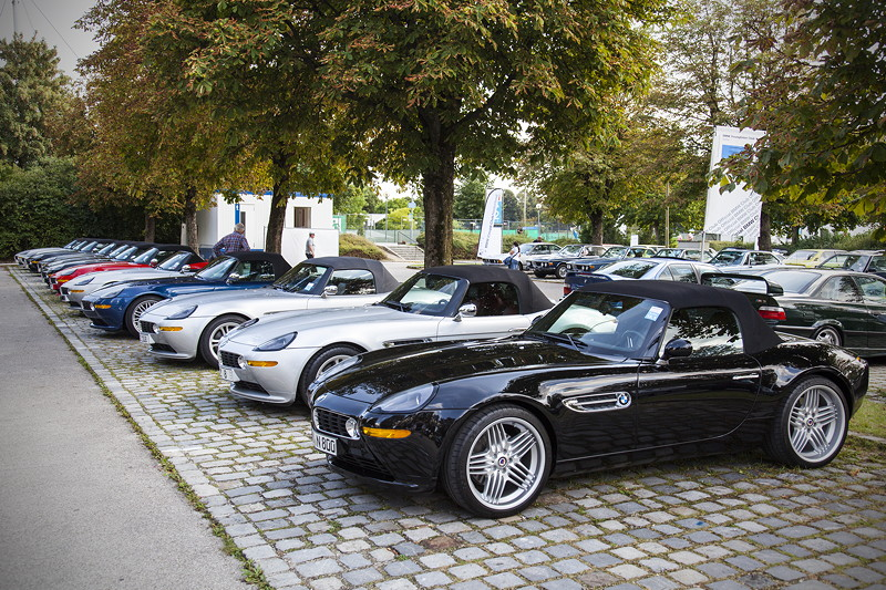 BMW Clubs in der Parkhafe im Olympiapark: BMW Z8 Club