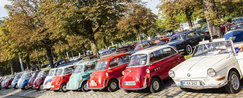 BMW Clubs in der Parkhafe im Olympiapark: BMW Isetten