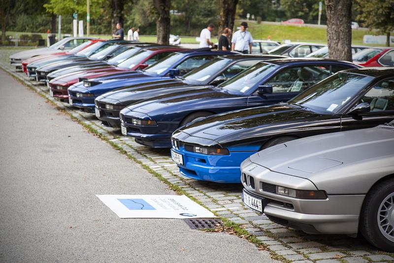 BMW Clubs in der Parkharfe im Olympiapark: BMW 8er Reihe (E31)