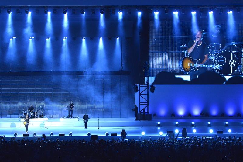 2010 - 2016: Die jüngsten Jahre und der 100. Geburtstag: Bühne frei für den Zeitgeist. Lena feiert bei ihrem unvergesslichen Auftritt das Hier und Jetzt.