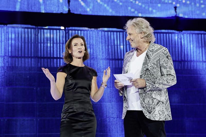 Hildegard Wortmann, Leitung Marke BMW, mit Showmaster Thomas Gottschalk bei der BMW Festival Night.