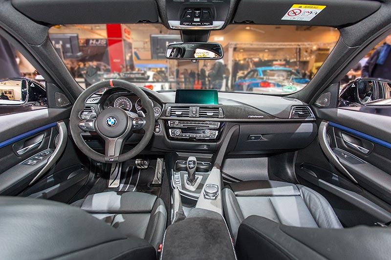 BMW 330d xDrive, Innenraum mit BMW M Performance Komponenten