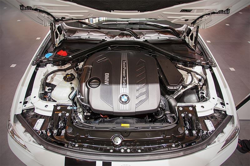 BMW 330d xDrive, ausgestattet mit einem BMW M Performance Power Kit (1.255 Euro)