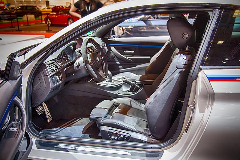 BMW 440i mit BMW M Performance Parts auch im Innenraum