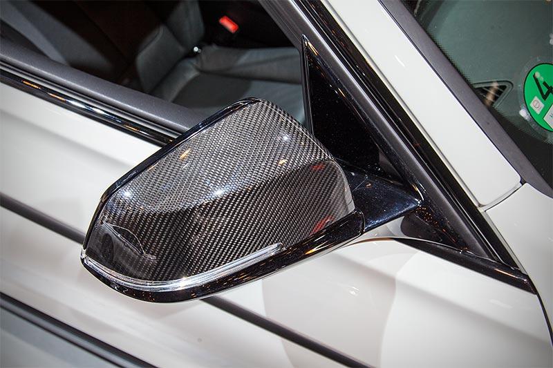 BMW 440i mit BMW M Performance Außenspiegelkappen Carbon rechts/links(596 Euro)