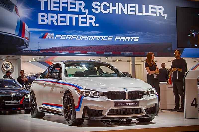 BMW 440i Coupé (F34) in Alpinweiß uni, mit BMW M Performance Parts, ausgestellt auf der Essen Motor Show 2016