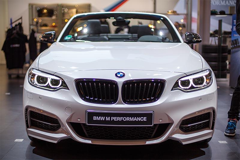 BMW M240i Cabrio (F23), Mineralweiss metallic, Grundpreis: 49.400 Euro