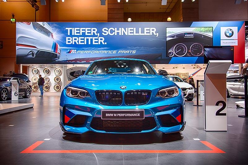 BMW M2 (F87), ausgestellt auf der Essen Motor Show 2016